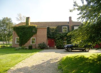 Thumbnail 5 bed detached house to rent in Tidmarsh Lane, Pangbourne, Berkshire