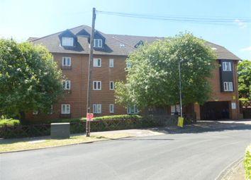 Thumbnail 2 bedroom flat for sale in Alexandra Road, Hemel Hempstead