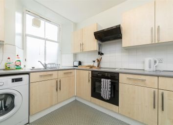 Thumbnail 2 bed flat for sale in Fleshers Vennel, Perth
