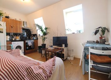Thumbnail 1 bed flat to rent in Barnabas Road, Homerton