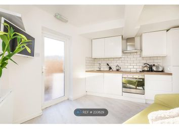 Thumbnail 2 bed flat to rent in Chesterfield Road, Ashford