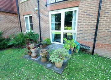 Thumbnail 1 bedroom flat for sale in Fairfield Road, East Grinstead, West Sussex