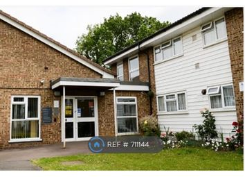 1 bed flat to rent in Grove Cresent, Rickmansworth WD3