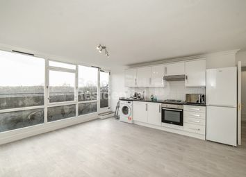 4 bed maisonette to rent in Clarewood Walk, London SW9