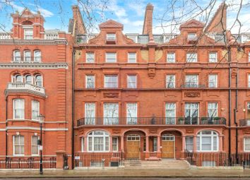 2 bed maisonette to rent in Pont Street, London SW1X