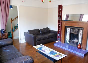 3 bed maisonette to rent in Gibson Close, Bethnal Green E1