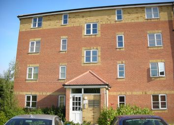 2 bed flat to rent in Thyme Close, Blackheath SE3