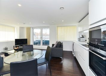 Thumbnail 2 bed flat to rent in Eagle Point, City Road, London