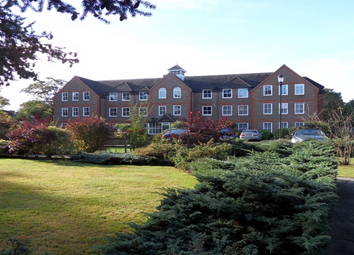 Thumbnail 2 bed flat to rent in West Drive, Sonning, Reading