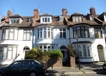 Thumbnail 1 bed flat to rent in Leighton Avenue, Leigh-On-Sea