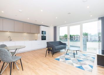 Thumbnail 1 bed flat to rent in Waterline Way, London