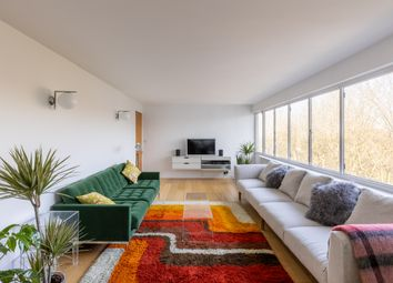 Highpoint, North Hill, London N6. 4 bed flat for sale