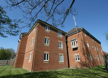 Thumbnail 2 bedroom flat for sale in Shilling Close, Reading