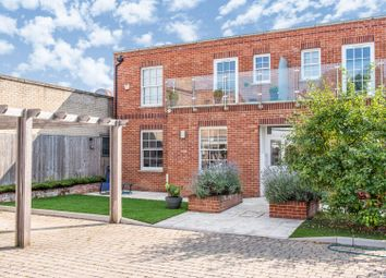 2 bed flat for sale in Library Mews, Hampton TW12