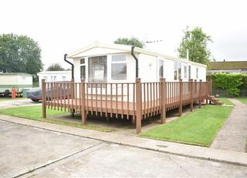 Thumbnail 2 bed mobile/park home for sale in Sandholme Lane, Leven, Beverley