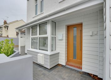 Thumbnail 1 bed flat for sale in Southsea Avenue, Leigh-On-Sea