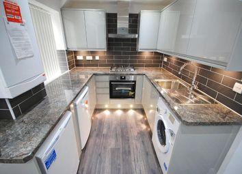 Thumbnail 2 bedroom flat to rent in Bilton Road, Perivale, Greenford