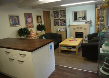 Thumbnail Restaurant/cafe for sale in Bakers & Confectioners LS27, Morley, West Yorkshire