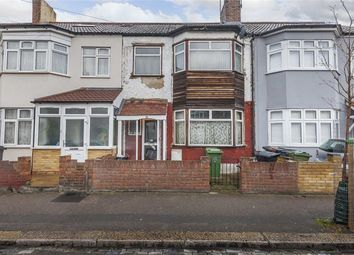 3 bed property for sale in Onra Road, London E17