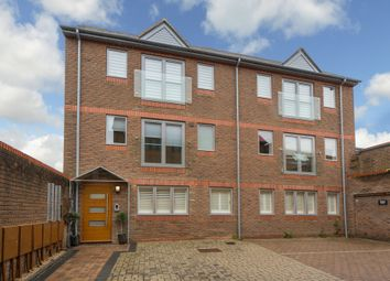 Thumbnail 2 bed flat for sale in Sevens Close, High Street, Berkhamsted