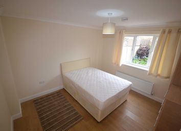 Thumbnail Room to rent in Howth Drive, Woodley, Reading