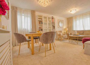 Thumbnail 2 bed flat for sale in Kensington Way, Borehamwood