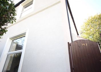 3 bed property to rent in Woodhill, London SE18