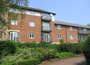 Thumbnail Flat to rent in Lincoln Street, Swindon