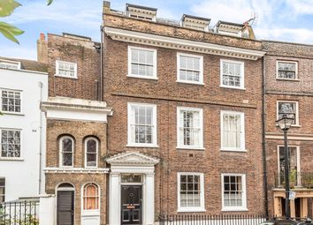 Chesterfield Gardens, Crooms Hill, London SE10. 2 bed flat for sale