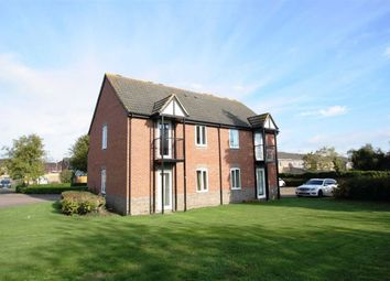 Thumbnail 2 bedroom flat to rent in Hartmead Road, Thatcham