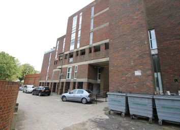 Thumbnail 2 bed flat to rent in Start Point, Downs Road, Luton