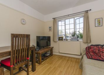 Thumbnail 2 bed flat for sale in Hampden Road, Muswell Hill, London
