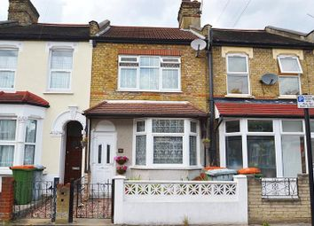 Thumbnail 2 bedroom town house for sale in Kingsland Road, London