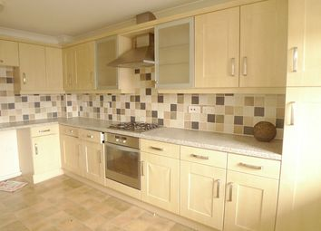 Thumbnail 4 bedroom town house to rent in Fletton Avenue, Fletton, Peterborough, Cambridgeshire.