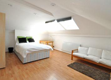 Room to rent in Loftus Road, Sheperds Bush, London W12