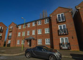 Thumbnail 1 bedroom flat to rent in Lime Tree Court, London Colney, St. Albans
