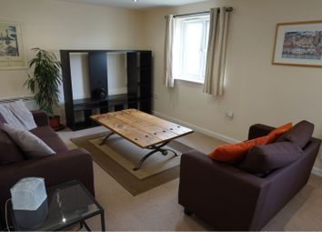 2 bed flat to rent in Woodside Court, Middleton, Leeds LS10