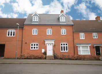 Thumbnail 5 bedroom terraced house for sale in Peacock Lane, Aylesbury