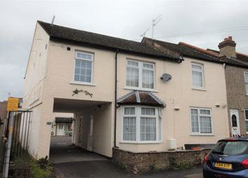 Thumbnail 1 bed flat to rent in Holywell Road, Watford