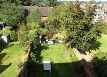 Thumbnail 1 bed flat to rent in Bath Road, Reading, Berkshire