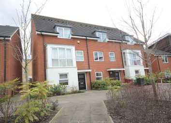 Thumbnail 3 bed town house to rent in Puffin Way, Reading