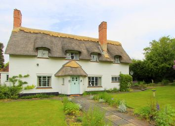 Thumbnail 5 bed cottage for sale in Woodcote Avenue, Wallington