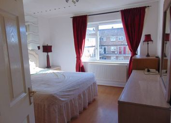 Thumbnail 3 bed flat to rent in Link Rd, East Finchley