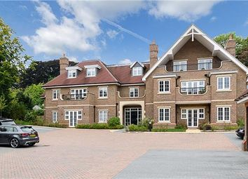 Thumbnail 2 bed flat for sale in Outwood Lane, Coulsdon, Surrey
