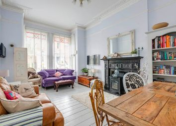 Thumbnail 2 bed flat for sale in Kemplay Road, Hampstead