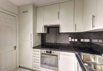 Thumbnail 2 bed flat to rent in Lexham Gardens, Kensigton, London