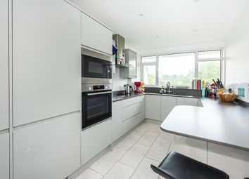 3 bed flat to rent in Victoria Drive, London SW19