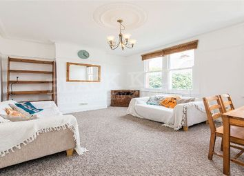 Thumbnail 3 bed flat to rent in The Avenue, London