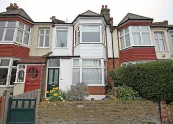 Thumbnail 2 bed flat to rent in Strathearn Road, London