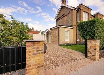 3 bed property for sale in The Avenue, High Barnet, Hertfordshire EN5